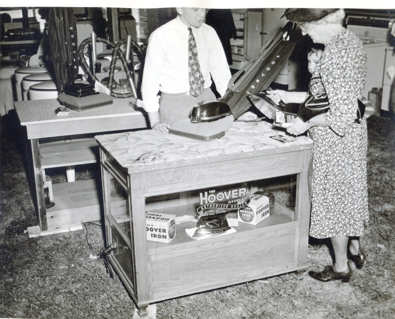 Vacuum cleaners Guilford Fair c 1950s053.jpg