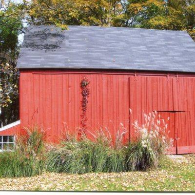 Pest House barn, 405 Tanner Marsh Road, taken October 14, 2009.jpg