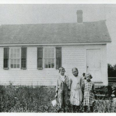 Clapboard Hill School 1918.jpg