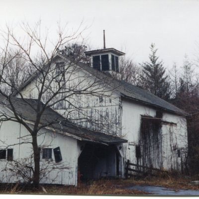 State Street barn, north of 292 State Street, taken December 20, 2002, barn torn down, replaced by senior housing.jpg