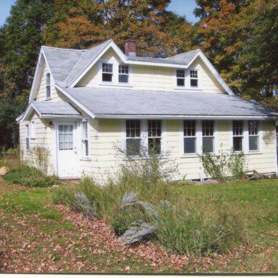 Pest House, 405 Tanner Marsh Road, October 14, 2009, built c. 1765.jpg