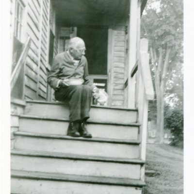 Hubbard on steps, Park Street.jpg