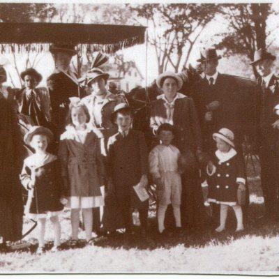 1915 guilford fair group.jpg