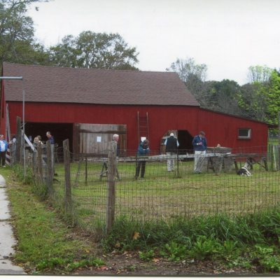 Stone cider mill, River Street, behind Caleb Stone house, 6 Broad Street, taken October 1, 2011.jpg