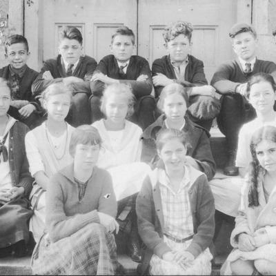 guilford-institute-8th-grade-1921.jpg
